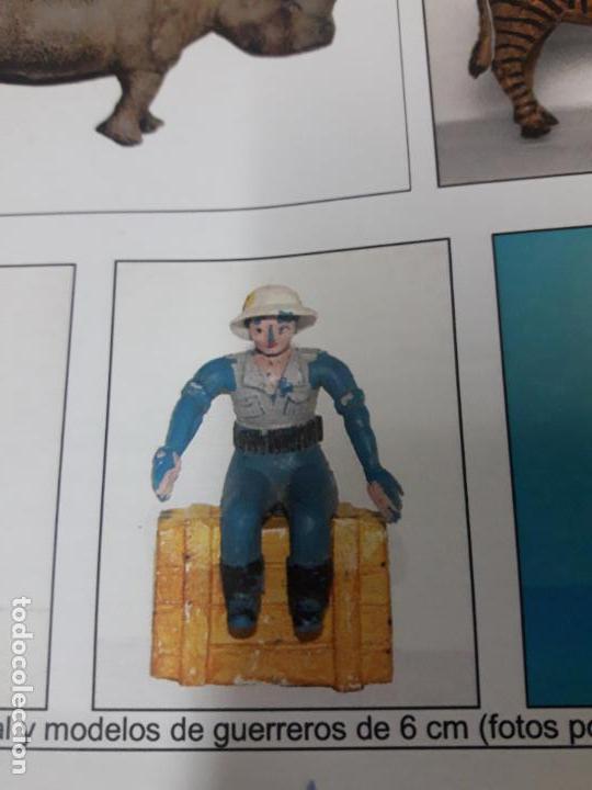 Figuras de Goma y PVC: CONDUCTOR DE JEEP . POSIBLEMENTE REALIZADO POR ARCLA ?? DETALLE EN EL LIBRO DE JUAN HERMIDA - Foto 3 - 148054178