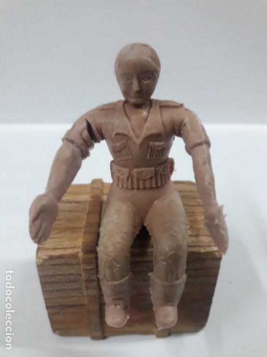 Figuras de Goma y PVC: CONDUCTOR DE JEEP . POSIBLEMENTE REALIZADO POR ARCLA ?? DETALLE EN EL LIBRO DE JUAN HERMIDA - Foto 5 - 148054178