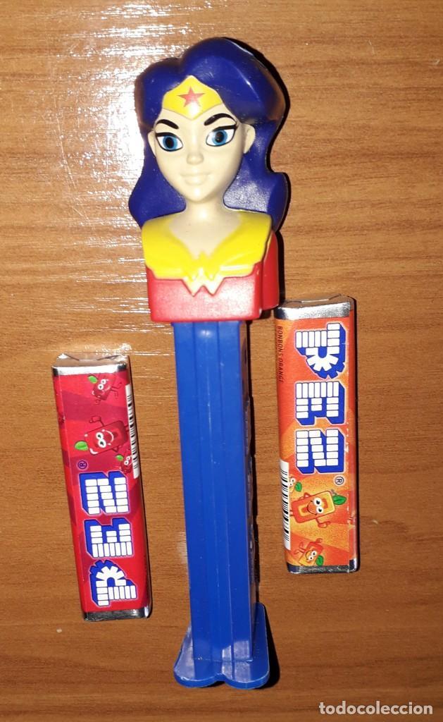 DISPENSADOR CARAMELOS PEZ SUPERHEROGIRL WONDER WOMAN DC COMICS (Juguetes - Figuras de Gomas y Pvc - Dispensador Pez)