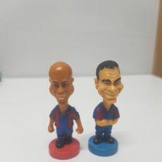 Figuras de Goma y PVC: RONALDO Y SERGI FUTBOL CLUB BARCELONA PVC. Lote 148247922