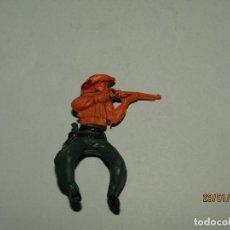 Figuras de Goma y PVC: ANTIGUO VAQUERO COW BOY EN GOMA PINTADA DE GAMA. Lote 148359642