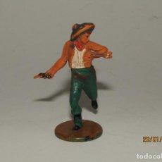 Figuras de Goma y PVC: ANTIGUO VAQUERO COW BOY EN GOMA PINTADA DE GAMA. Lote 148373730