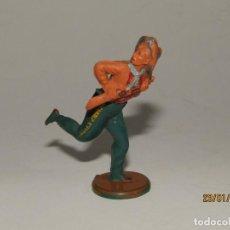 Figuras de Goma y PVC: ANTIGUO VAQUERO COW BOY EN GOMA PINTADA DE GAMA. Lote 148373806