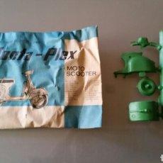 Figuras de Goma y PVC: MONTAPLEX SOBRE CERRADO MOTO SCOOTER. Lote 153736941
