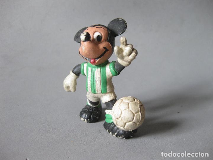 FIGURA DE PVC DE MICKEY MOUSE JUGADOR DE FUTBL DEL BETIS - CMICS SPAIN (Juguetes - Figuras de Goma y Pvc - Comics Spain)