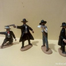 Figuras de Goma y PVC: HERMANOS EARP Y DOC HOLIDAY DEL DUELO EN OK CORRAL. Lote 149233306