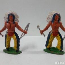 Figuras de Goma y PVC: DOS GUERREROS INDIOS . REALIZADO POR M. SOTORES . AÑOS 60. Lote 149609398