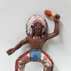 Figuras de Goma y PVC: GUERRERO INDIO PARA CABALLO CON ACCESORIO DESMONTABLE . REALIZADO POR M. SOTORRES . AÑOS 50 EN GOMA. Lote 149610926
