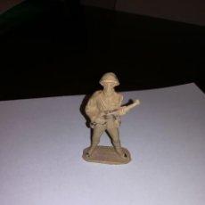 Figuras de Goma y PVC: PECH HERMANOS SOLDADO RUSO FIGURA DE PLASTICO AÑOS 50 SOLDADITOS SOLDADOS . Lote 149863854
