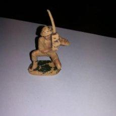 Figuras de Goma y PVC: PECH HERMANOS SOLDADO INGLES FIGURA DE PLASTICO AÑOS 50 SOLDADITOS SOLDADOS. Lote 149869334