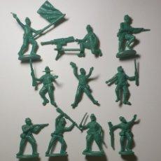 Figuras de Goma y PVC: GRAN LOTE DE FIGURAS DE SOLDADOS DE LA 2DA GUERRA MUNDIAL FÁBRICADOS EN PLÁSTICO - 5 BATALLONES PAÍS. Lote 149887962