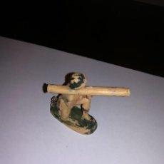 Figuras de Goma y PVC: PECH HERMANOS SOLDADO INGLES FIGURA DE PLASTICO AÑOS 50 SOLDADITOS SOLDADOS. Lote 149994202