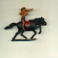 Figuras de Goma y PVC: VAQUERO JINETE Y CABALLO / GAMA. Lote 150118294