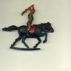 Figuras de Goma y PVC: VAQUERO JINETE Y CABALLO / GAMA. Lote 150118786