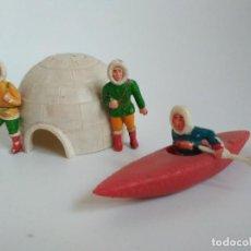 Figuras de Goma y PVC: FIGURAS ESQUIMALES SOTORRRES GOMA IGLÚ. Lote 150128994