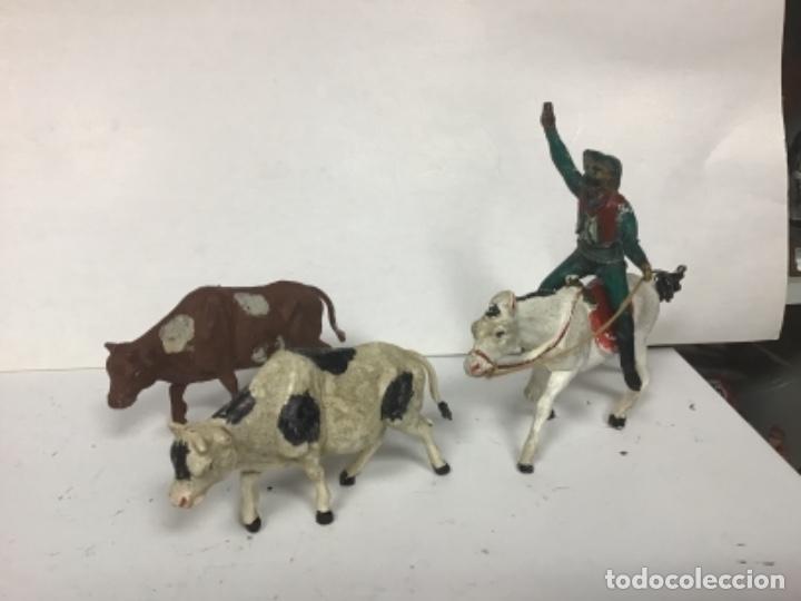 LOTE FIGURAS GUIA PECH HERMANOS CON VACAS GAMA RESES GOMA AÑOS 50 RODEO GANADO GOMA (Juguetes - Figuras de Goma y Pvc - Pech)