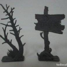 Figuras de Goma y PVC: CARTEL DALLAS + PLATA, ARBOL - COMANSI - AÑOS 60-70. Lote 150218410