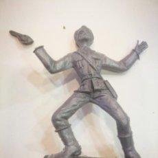 Figuras de Goma y PVC: COMANSI ? SOLDADO DE PLÁSTICO CON DETERIORO. Lote 150278950
