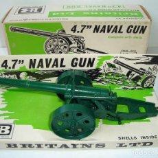 Figuras de Goma y PVC: ANTIGUO CAÑON MILITAR METALICO 4.7 NAVAL GUN BRITAINS LTD ESCALA 1:32. Lote 150367682