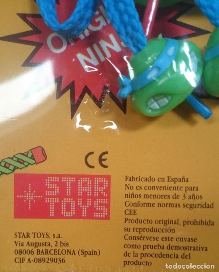 Figuras de Goma y PVC: TORTUGAS NINJA EXPOSITOR DE CORDONES PARA ZAPATOS VINTAGE 1988 - Foto 3 - 189773111