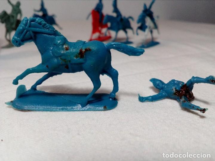 Figuras de Goma y PVC: BARATIJA DE KIOSKO (LOTE CABALLOS CON JINETE) SOLDADOS PLÁSTICO AÑOS 70/80 - Foto 9 - 150467254