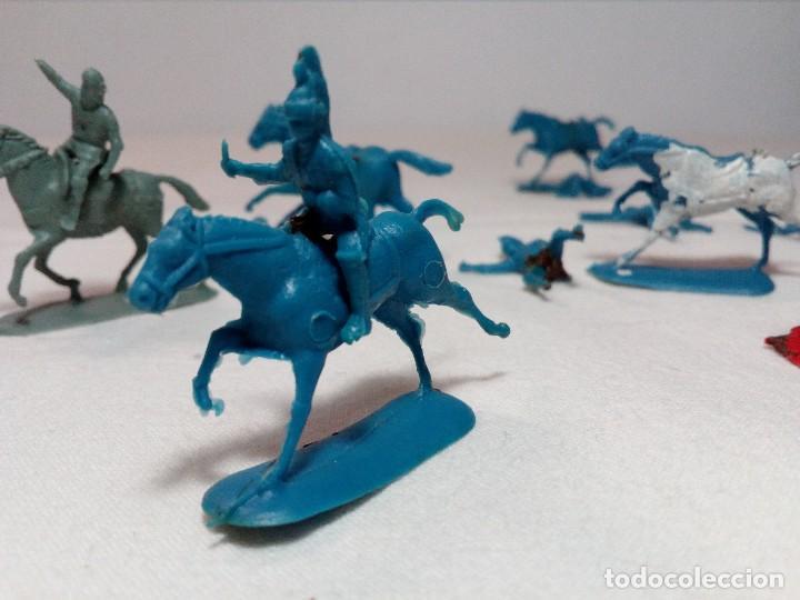 Figuras de Goma y PVC: BARATIJA DE KIOSKO (LOTE CABALLOS CON JINETE) SOLDADOS PLÁSTICO AÑOS 70/80 - Foto 13 - 150467254