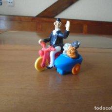 Figuras de Goma y PVC: FIGURA DISNEY DE LOS ARISTOGATOS EN MOTOCICLETA CON SIDECAR Y GATITOS. Lote 160889722