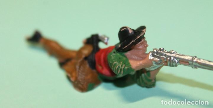 Figuras de Goma y PVC: FIGURA DEL OESTE. MARCA REAMSA. VAQUERO. COW-BOY. AÑOS 60. ESPAÑA. 9 cm de largo total. TUMBADO. - Foto 2 - 150645938