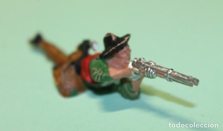 Figuras de Goma y PVC: FIGURA DEL OESTE. MARCA REAMSA. VAQUERO. COW-BOY. AÑOS 60. ESPAÑA. 9 cm de largo total. TUMBADO. - Foto 4 - 150645938