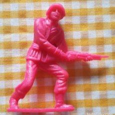Figuras de Goma y PVC: COMANSI. FIGURA MONOCOLOR DE SOLDADO ESPAÑOL 2 AÑOS 70-80. Lote 150730878