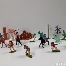 Figuras de Goma y PVC: VAQUEROS Y COMPLEMENTOS - POBLADORES DEL OESTE . REALIZADOS POR JECSAN . AÑOS 60 / 70. Lote 150803598