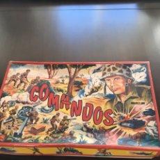 Figuras de Goma y PVC: CAJA COMANDOS PECH COMPLETA AÑOS 60. Lote 151108393