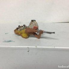 Figuras de Goma y PVC: FIGURA INDIO PECH HERMANOS OESTE WESTERN INDIO AGACHADO DISPARANDO HERMANOS PECH . Lote 151176302