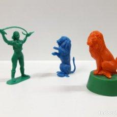 Figuras de Goma y PVC: DOMADORA CON LEONES - SERIE CIRCO . REALIZADOS POR JECSAN . AÑOS 60 / 70 EN PLASTICO. Lote 151294322