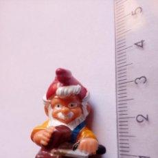 Figurines en Caoutchouc et PVC: KS 1992 HUEVO KINDER SORPRESA FERRERO ENANO DE JARDIN SERIE ENANO ALBAÑIL 1992. Lote 151382646