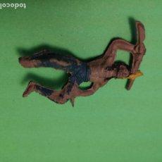Figuras de Goma y PVC: JECSAN INDIO DE GOMA, 50 MM. . Lote 151415838