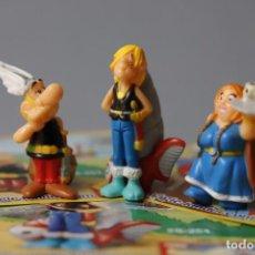 Figuras Kinder: 3 FIGURAS Y 3 FOLLETOS DEL PERSONAJE - SERIE ASTÉRIX AND THE VIKINGS - MAGIC KINDER - . Lote 151493090