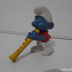 Figuras de Goma y PVC: FIGURA SERIE PITUFOS, PITUFO CON OBOE. Lote 152147966