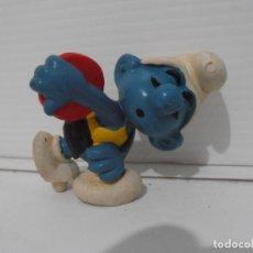 Figuras de Goma y PVC: FIGURA SERIE PITUFOS, PITUFO CON DISCO, LANZADOR DISCOS. Lote 152148138