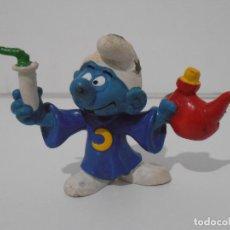 Figuras de Goma y PVC: FIGURA SERIE PITUFOS, PITUFO CON PIJAMA DE LUNA. Lote 152148298