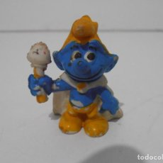 Figuras de Goma y PVC: FIGURA SERIE PITUFOS, PITUFO REY. Lote 152151622