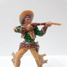 Figuras de Goma y PVC: VAQUERO - COWBOY EN POSICION DE DISPARO . REALIZADO POR LAFREDO . AÑOS 60 . SERIE GRANDE. Lote 152191342
