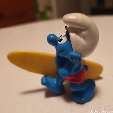 Figuras de Goma y PVC: BONITA FIGURA PVC GOMA PITUFOS PITUFO CON TABLA DE SURF SUPER SMURF. Lote 152490101