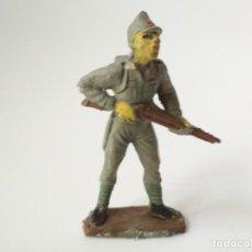Figuras de Goma y PVC: SOLDADO JAPONÉS PECH HNOS TRANSFORMADO. Lote 153047330