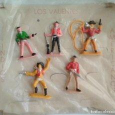 Figuras de Goma y PVC: MUY RARO BLISTER CARTÓN VAQUEROS AÑOS 60. Lote 153233122