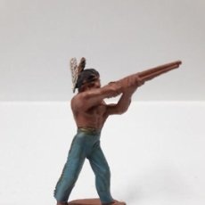 Figuras de Goma y PVC: GUERRERO INDIO EN POSICION DE DISPARO . REALIZADO POR PECH . ALTURA 5,1 CM . AÑOS 50 EN GOMA. Lote 153495502