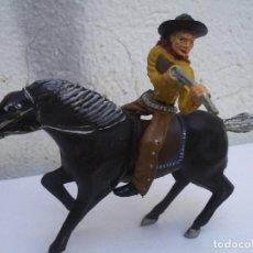 Figuras de Borracha e PVC: VAQUERO DE LAFREDO DE LOS GRANDES. Lote 153545198