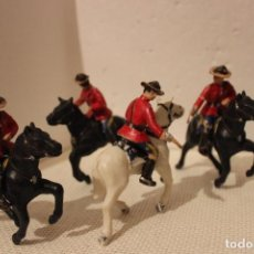Figuras de Goma y PVC: 4 SOLDADOS A CABALLO DE LA POLICIA MONTADA DEL CANADÁ. Lote 153876718