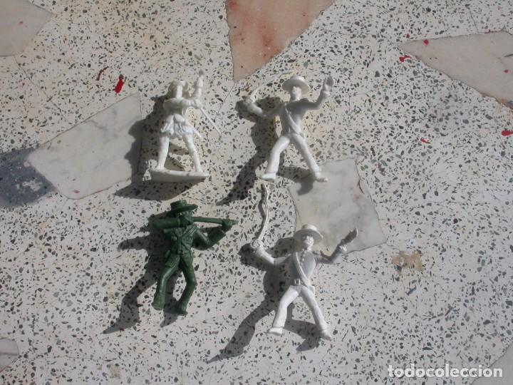 Figuras de Goma y PVC: FIGURA DUNKIN - Foto 2 - 153937070