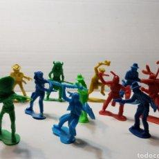 Figuras de Goma y PVC: FIGURAS VAQUEROS Y INDIOS AÑOS 80 LOTE 14 FIGURAS. Lote 154199606